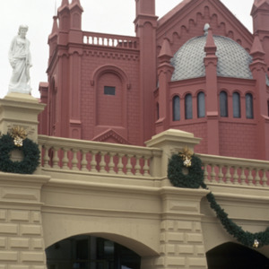 Recoleta Cultural Center